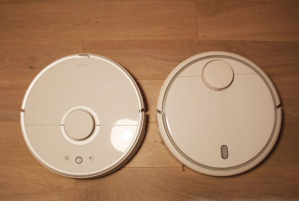 جاروبرقی رباتی شیائومی ورژن 1 و 2 (راست به چپ)